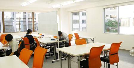 市ヶ谷教室の指導風景